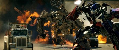 Transformers filmidézet - Bernie Mac (Bobby Bolivia), Shia LaBeouf (Sam 'Spike' Witwicky), Peter Cullen (Optimus Prime hangja)